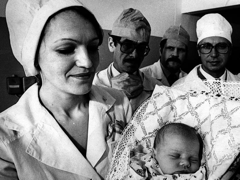 Калинина Е. А. с новорожденной девочкой