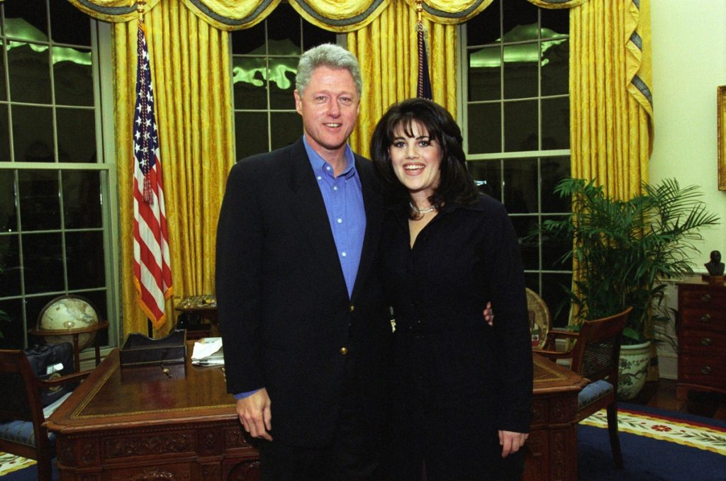 Билл Клинтон и Моника Левински в Белом доме