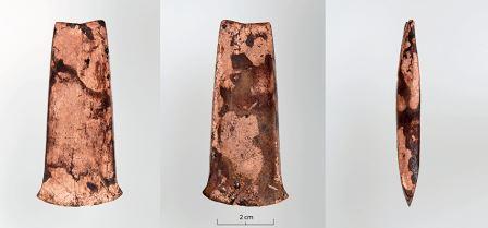 Полная копия топора «ледяного человека» Отци, найденная в Швейцарии