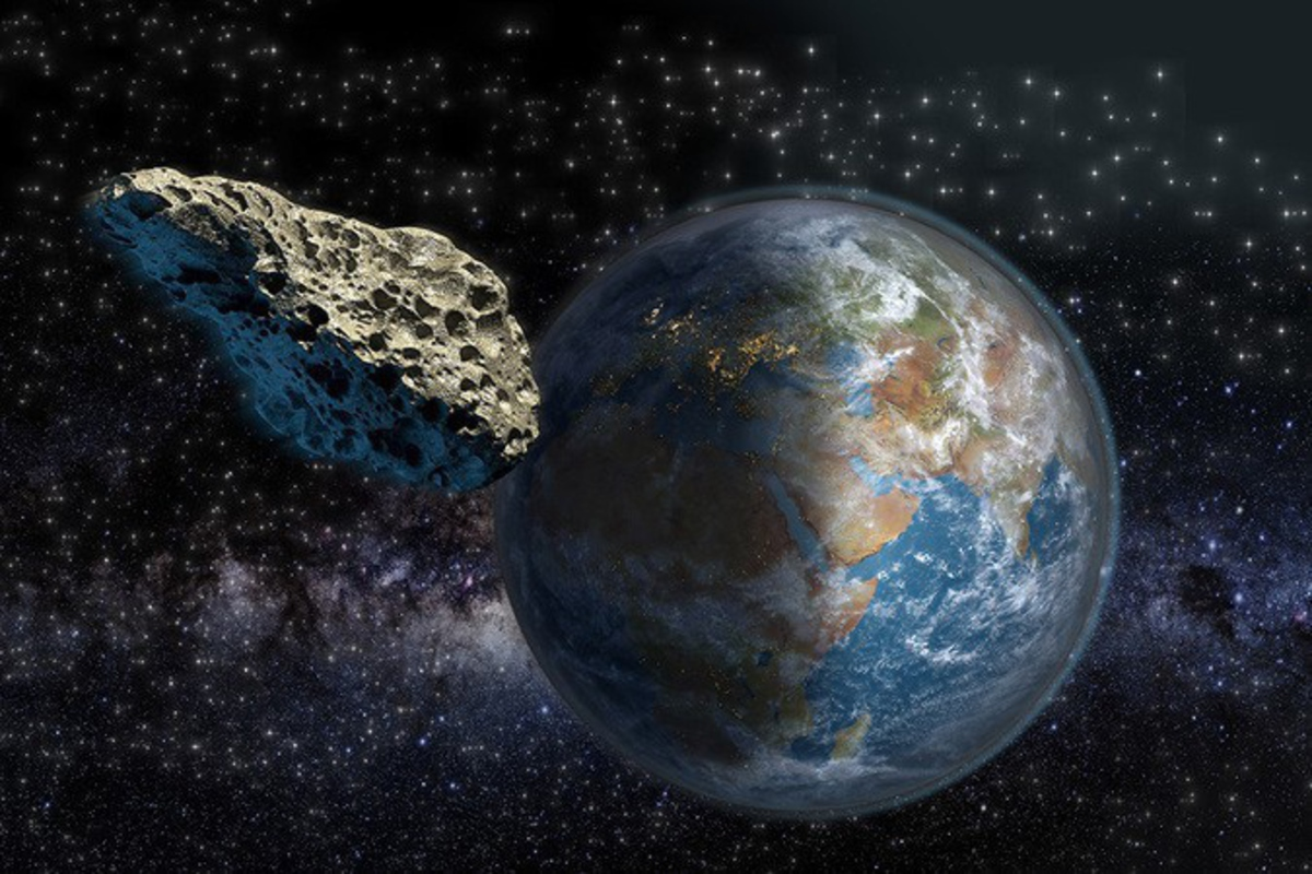 На Землю летит астероид